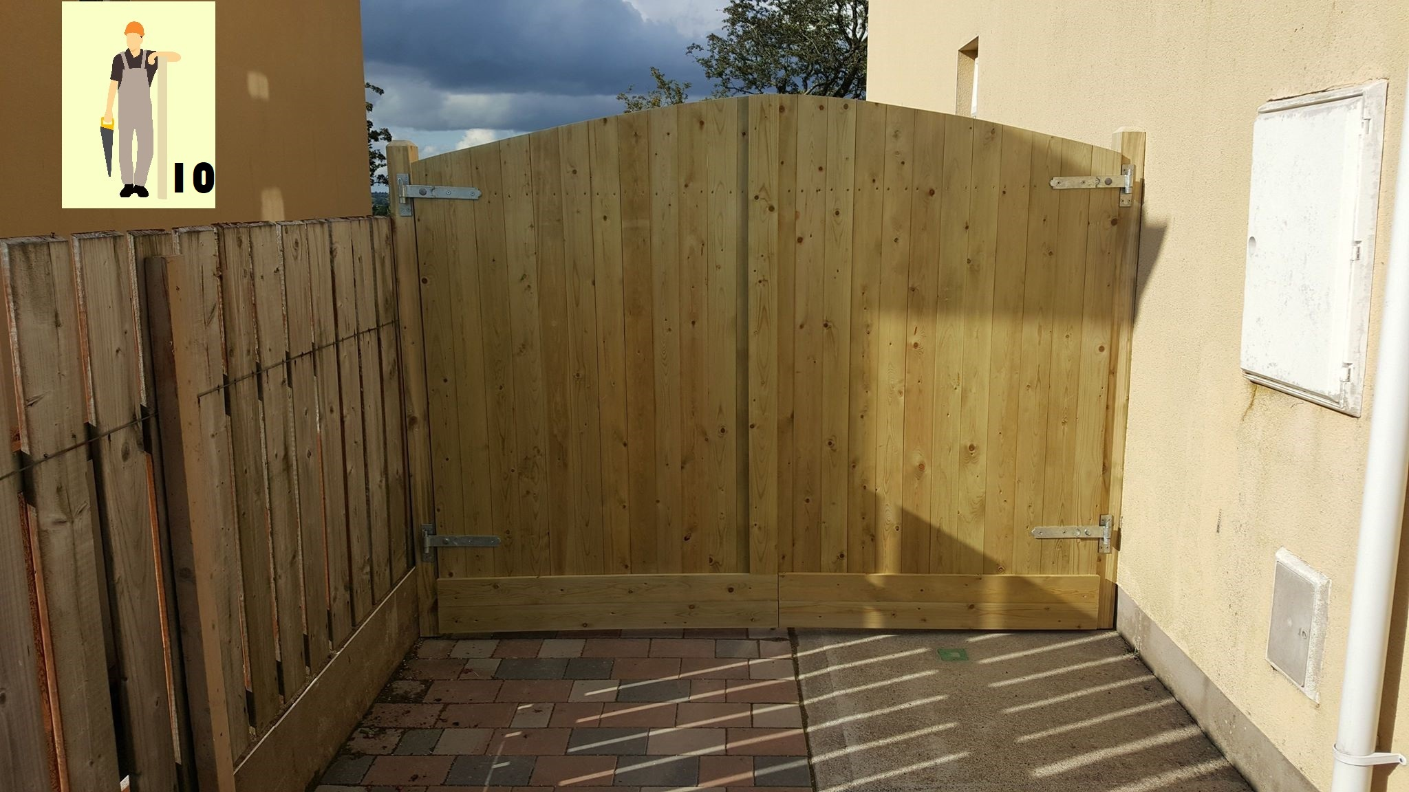 Gates & Fencing - Handcrafted Gates in Hard or Soft Wood
